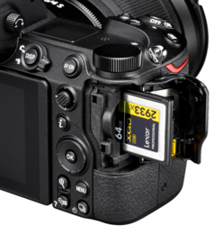 Nikon Z6 Essential Movie Kit (elokuvaajan peruspaketti)